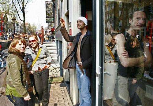Amsterdam, l'Open Day al Quartiere a Luci Rosse