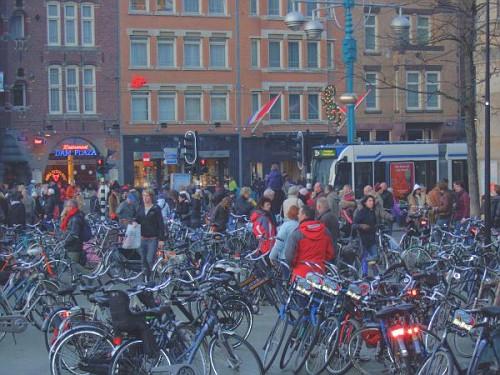 Biciclette ad Amsterdam arancioni