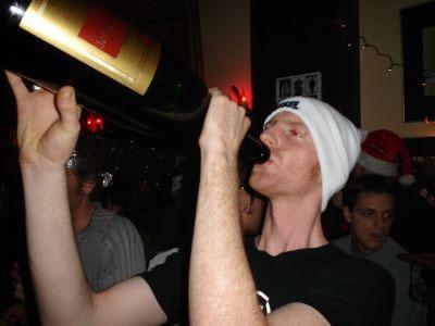 Beve alla bottiglia
