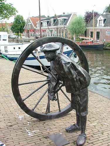 Olanda viaggio in barca. Statua